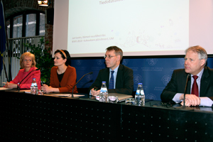 Jari Luoto, Ambassador for Baltic Sea Issues (second from the right) presented information about the Baltic Sea Action Summit, to be held on 10 February. The press conference was also attended by BSAG representatives Anna Kotsalo-Mustonen (left), Saara Kankaanrinta and Mathias Bergman.