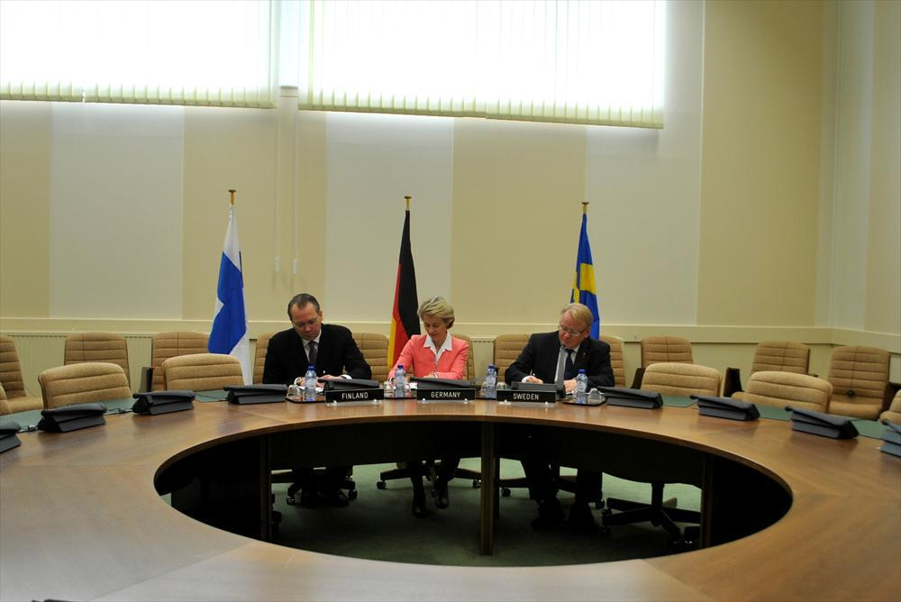 Finland and Sweden signed bilateral Framework Agreements with Germany.