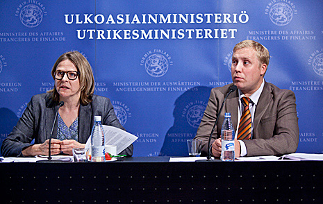 Minister for International Development Heidi Hautala and Research Director Juho Rahkonen of Taloustutkimus Oy. Rahkonen presented the results of the 2011 opinion poll on development cooperation at the press conference. Photo: Eero Kuosmanen